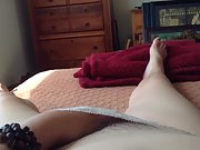 Wife gets herslf off in bedroom while being videoed